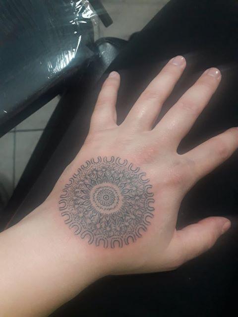 Hála mandalája tetoválás - Angyalmandala