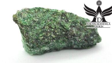 Photo of Zöld csillogás – Fuchsit ~ nyers ásvány